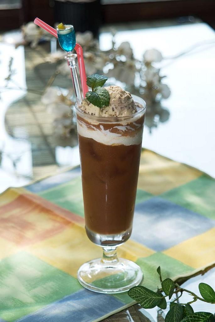 米蓝花巷129异国料理 - - 饮品类商品 - 漂浮冰咖啡